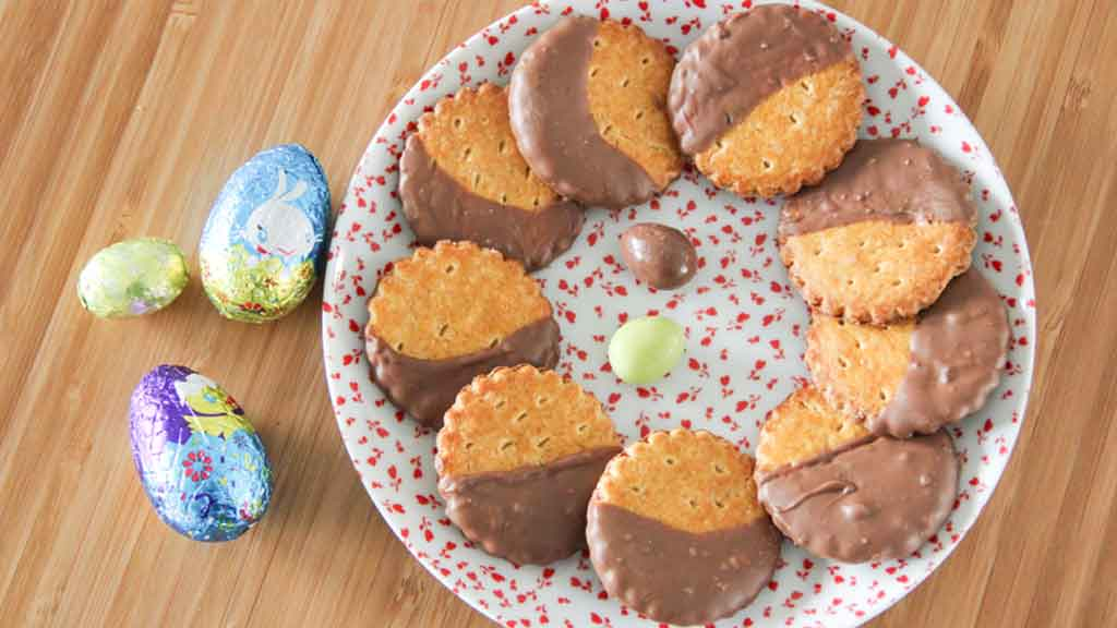 biscuits nappés au chocolat de pâques